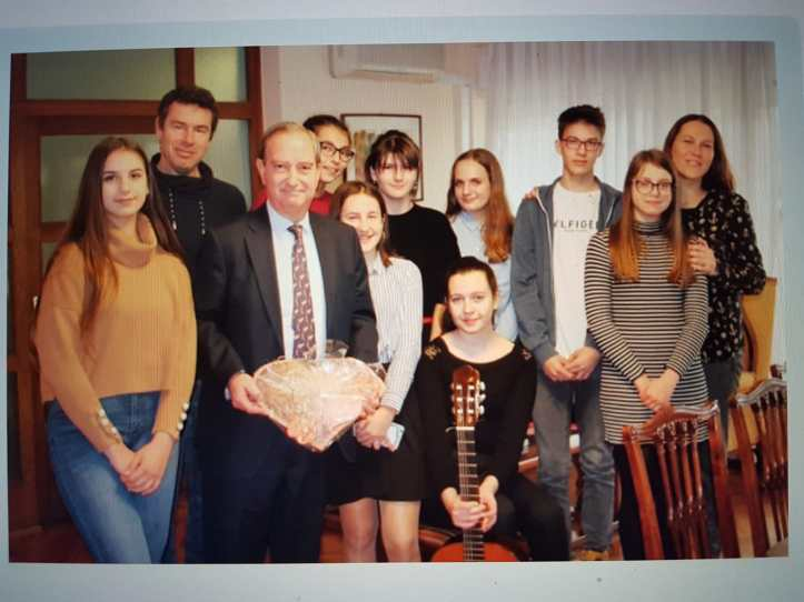 Croatian mobility students with Spanish Ambassador