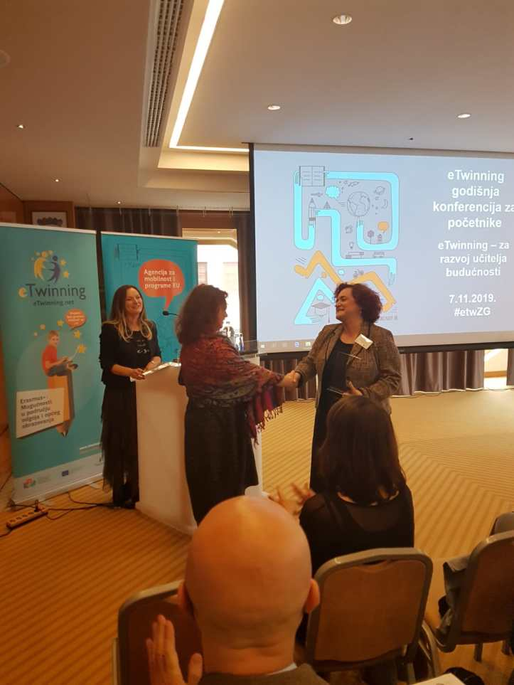 Vlasta at Croatian eTwinning Conference_reception of Comet prize_2